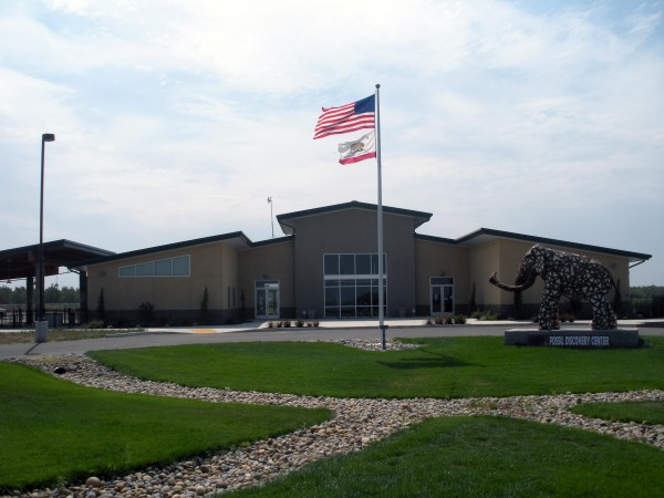Exterior of Fossil Discovery Center