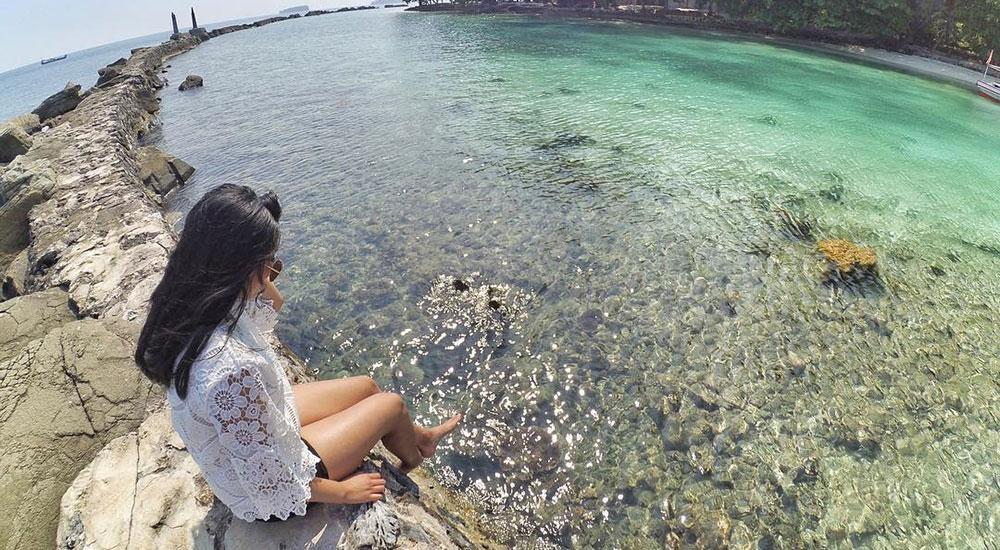 bersantai di pulau bulat pulau harapan kepulauan seribu utara