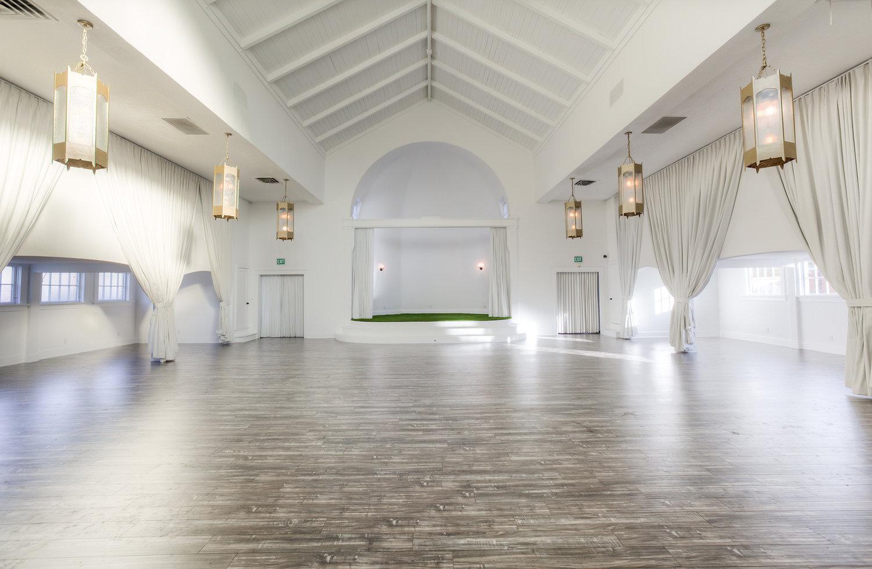 Inside the Gorgeous York Manor