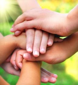 LA-AiP: image of kids' hands