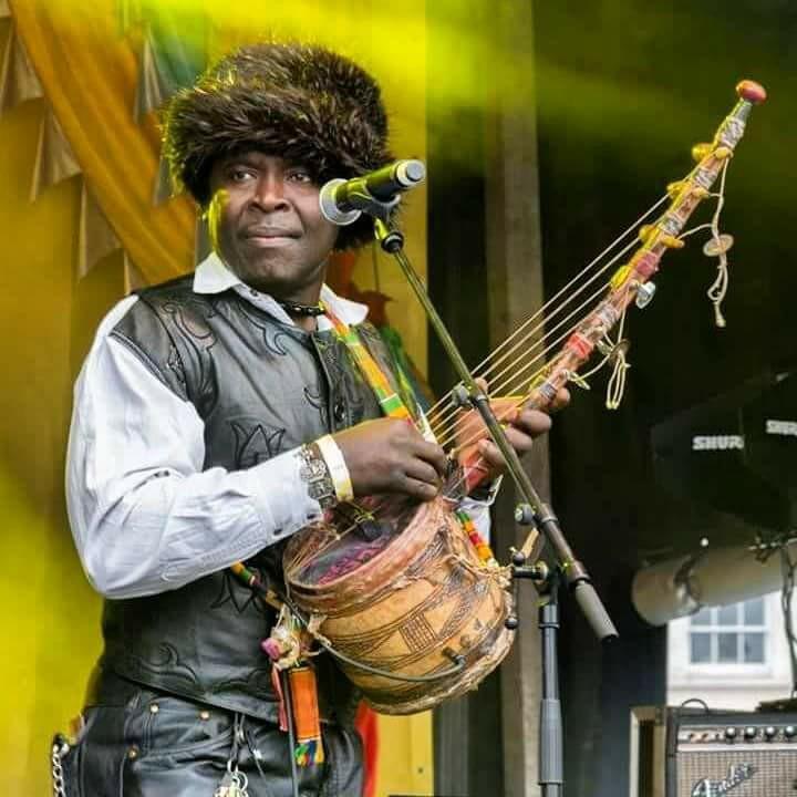 Mvula Mandondo presents an original concoction of Tanzanian village roots, urban rumba and Afro-Caribbean influences, blending traditional and modern instruments