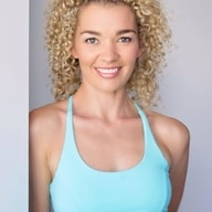 headshot photo of lauren verona from zenko yoga.