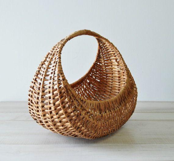 Gondola basket - library image
