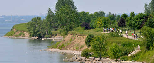 People using Ajax waterfront trail