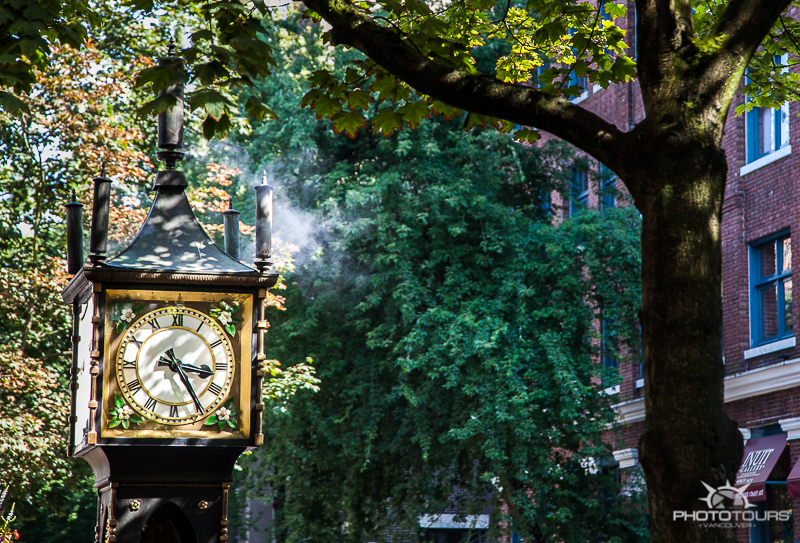 Photo Tours Vancouver Historic Gastown - steam Clock