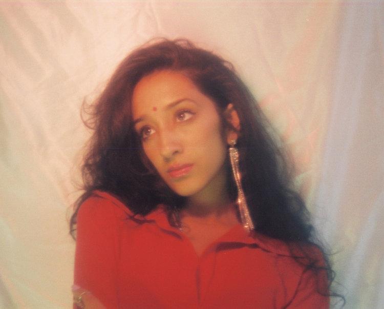 Rnb singer Raveena