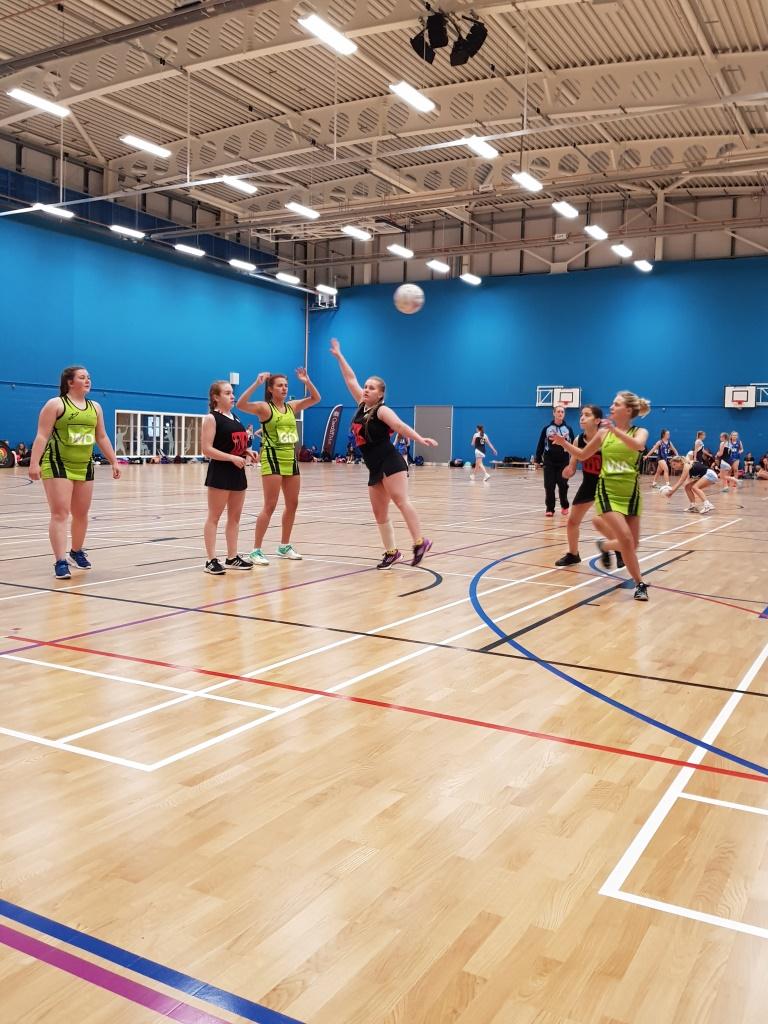 Netball at Coleg y Cymoedd