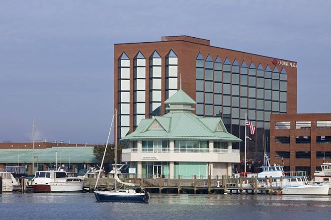 Crowne Plaza Hotel Hampton Marina