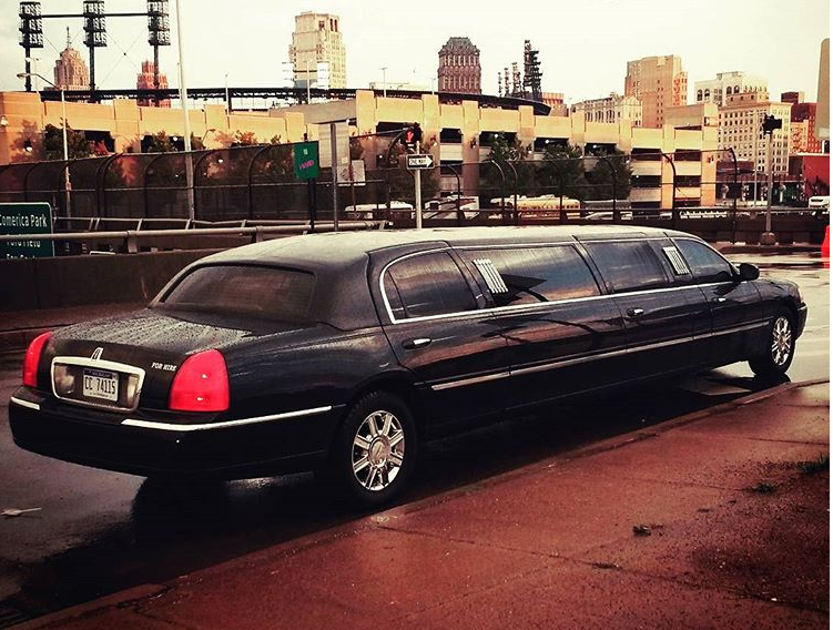 Advanced Limousine Detroit