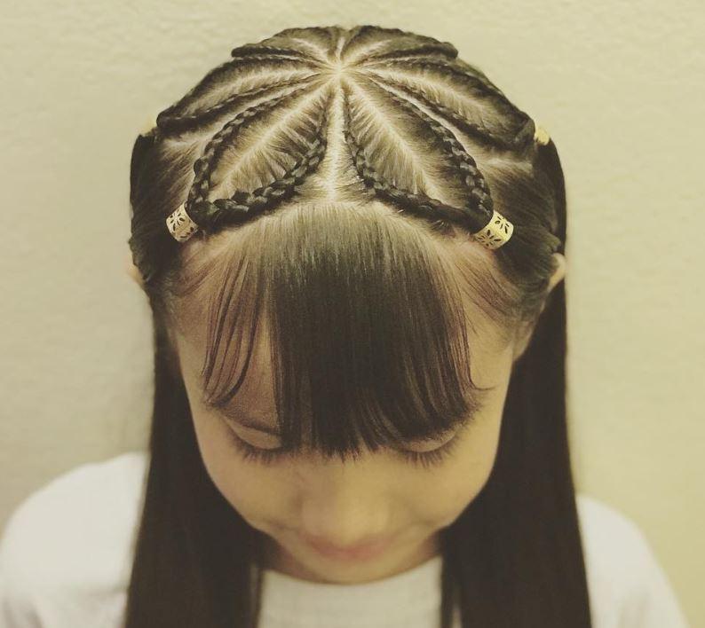 A beautiful flower braid design for girls