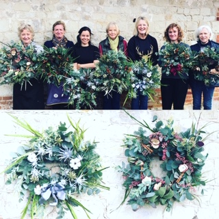 Beatiful wreaths and attendees