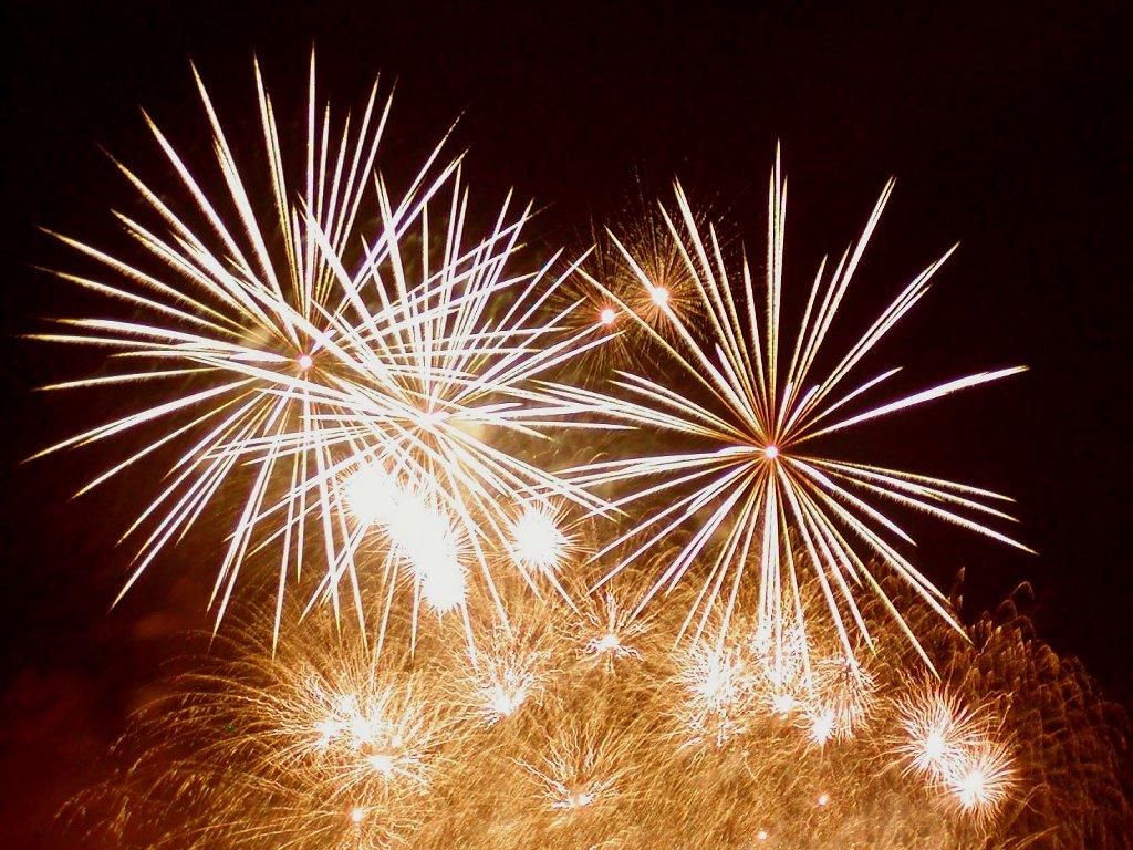 anewyearfireworks42141024x768.jpg