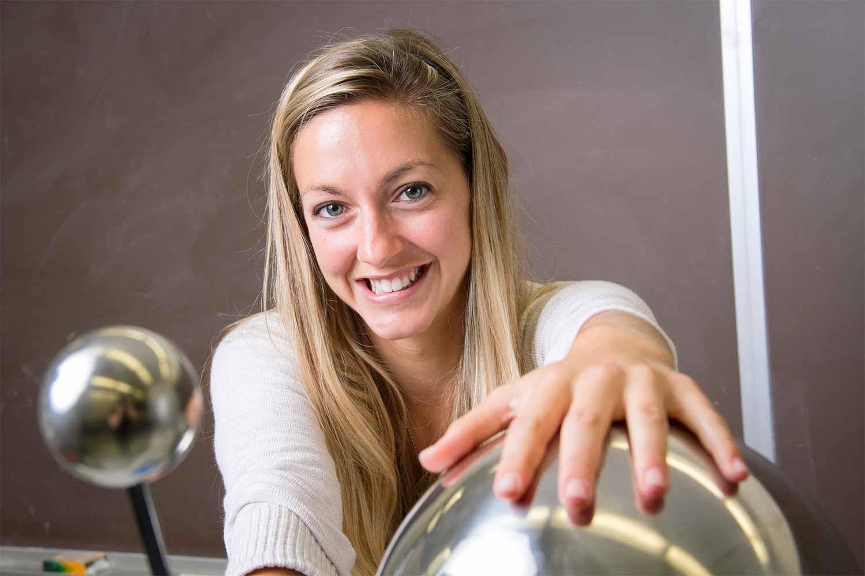 Dianna Cowern-Physics Girl Photo