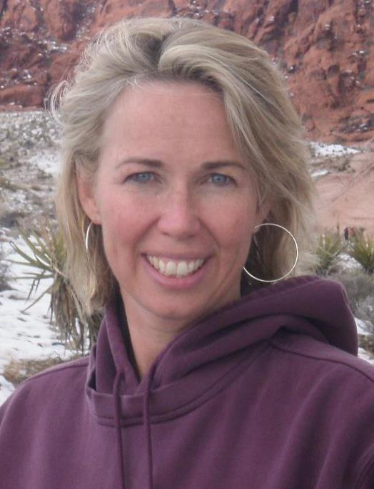 Mary Beth Coudal, a blogger and essayist, leads the writing workshop