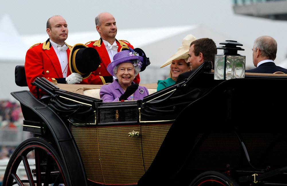 Queen arriving at Royal Ascot