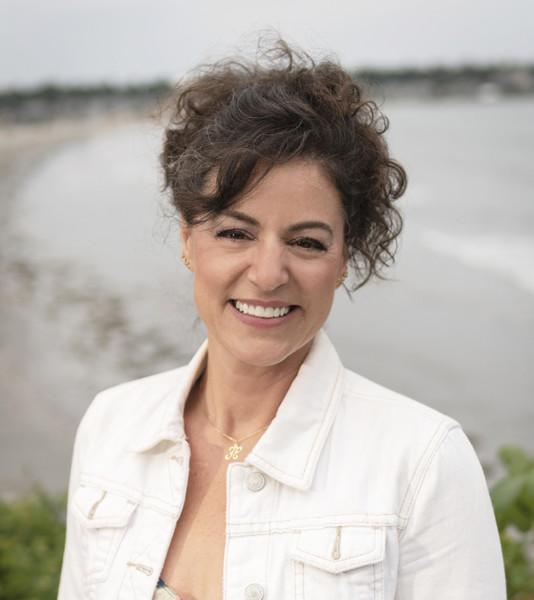 Helena Harris, Podcasting expert
