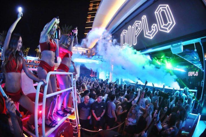Encore Beach Club Nightswim: FREE Entry/FREE Drinks - Vegas