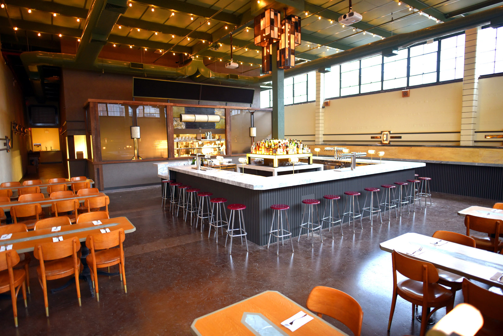 Syndicated Bar, Theater and Kitchen