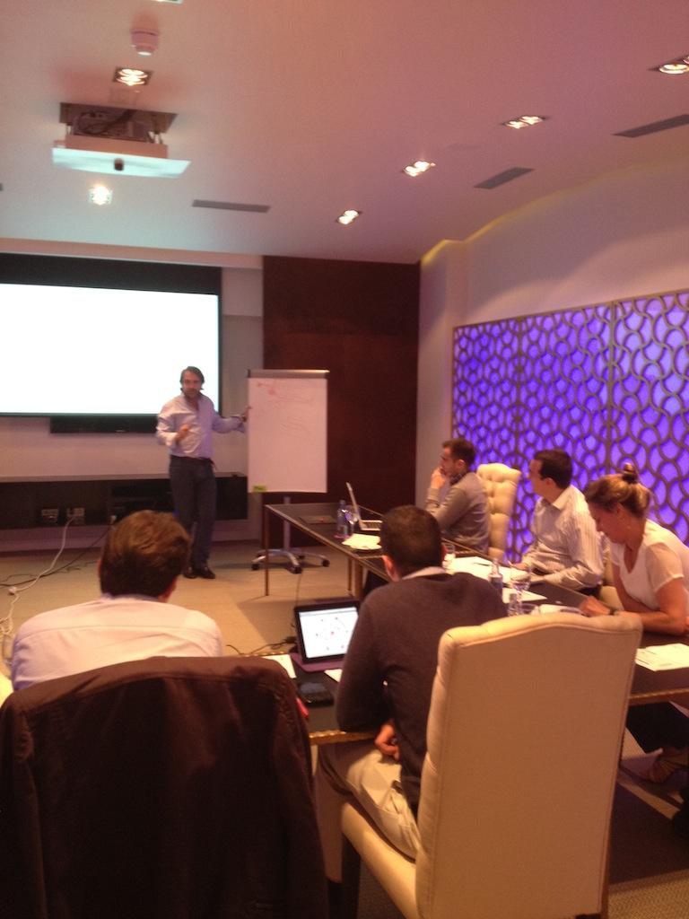 sesión de trabajo en workshop de presentación a inversores de InnoBAN