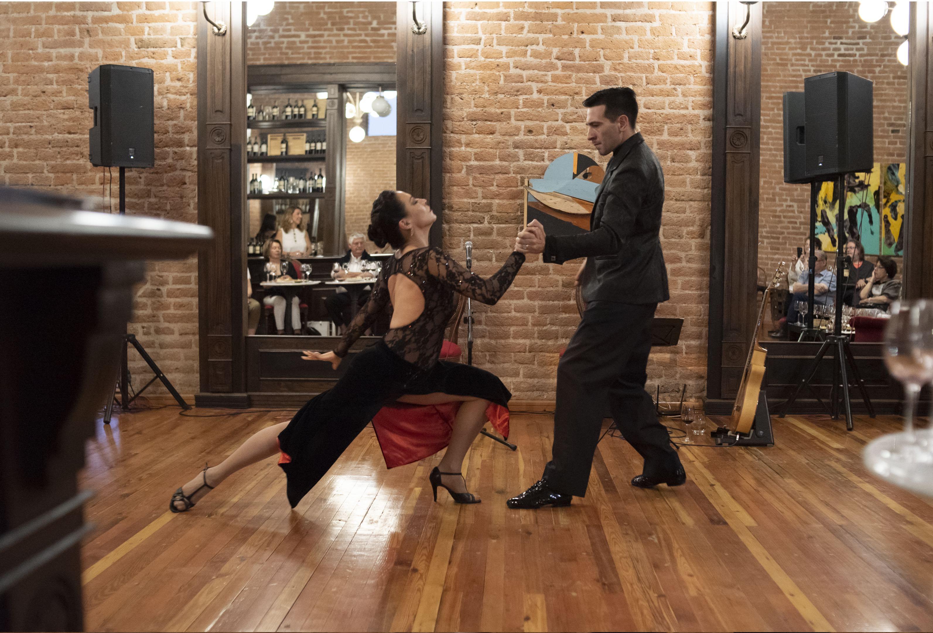 Tango Vino Show Mendoza Marta Morel Gonzalo Cano