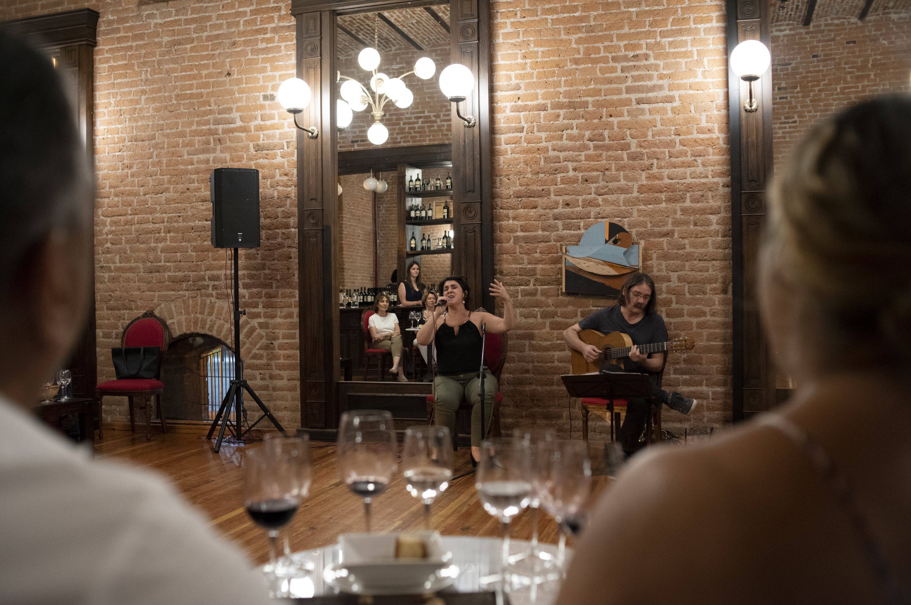 Tango Vino Show Mendoza Bodegas CARO Patricia Cangemi