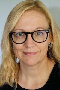 Clare Bond Headshot