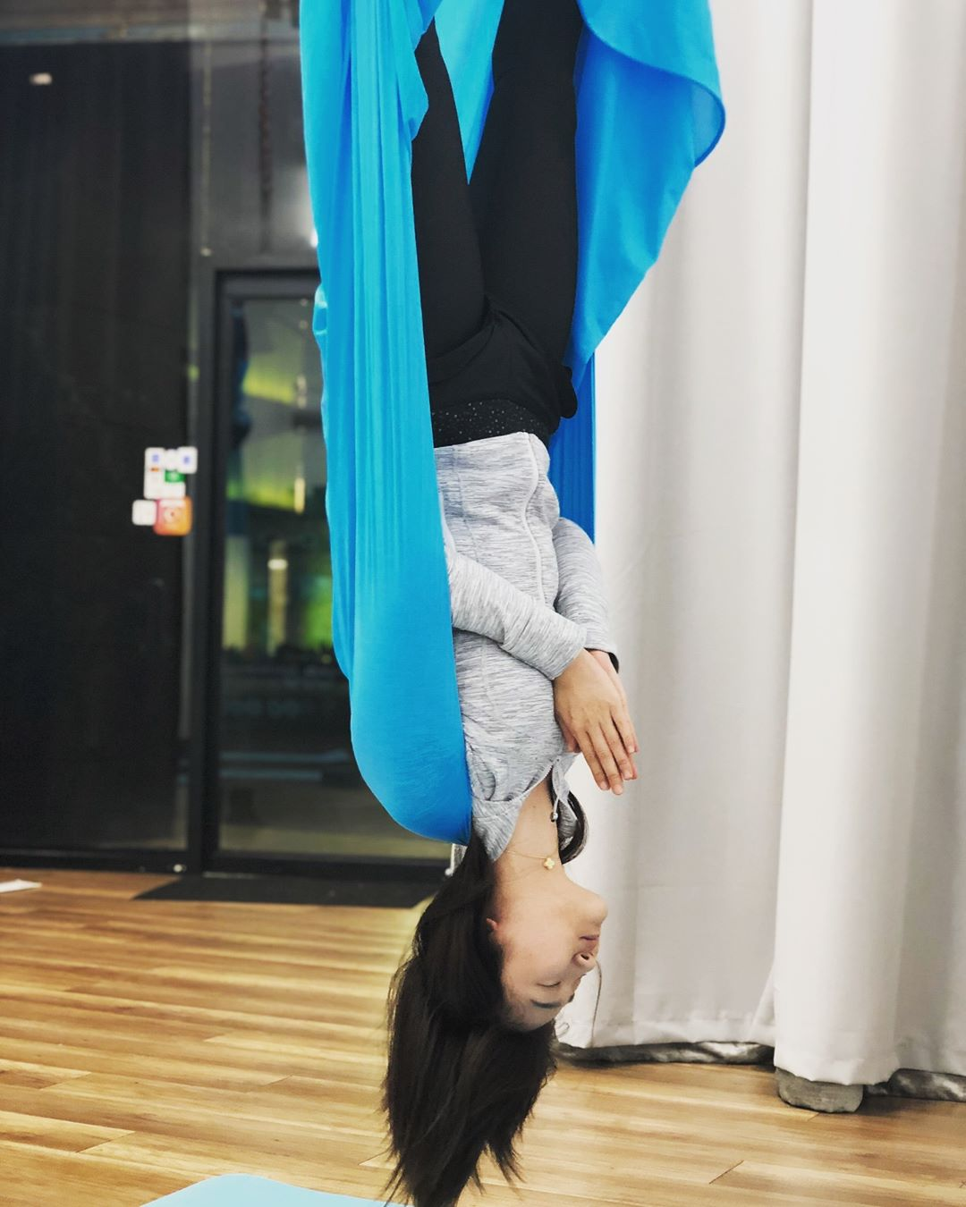 Basic Aerial Yoga Class In Los Angeles