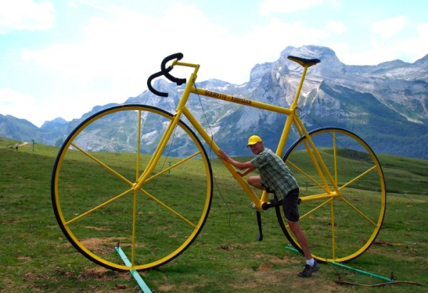 Gigantic bike