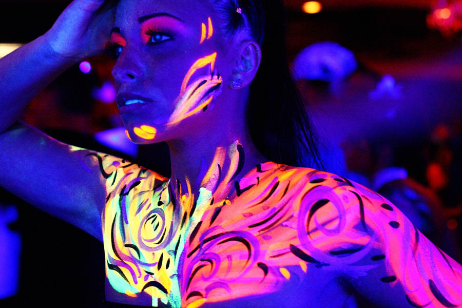 Abstract World S Largest Body Painting Black Light Party