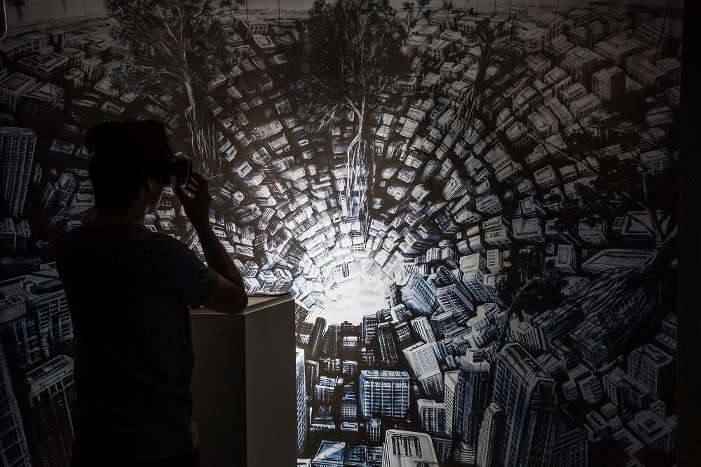 Hyperplanes of Simultaneity, Fabio Giampietro and Alessio de Vecchi
