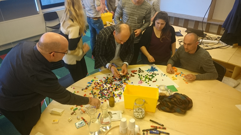 Lego simulation during ekipa scrum crash course