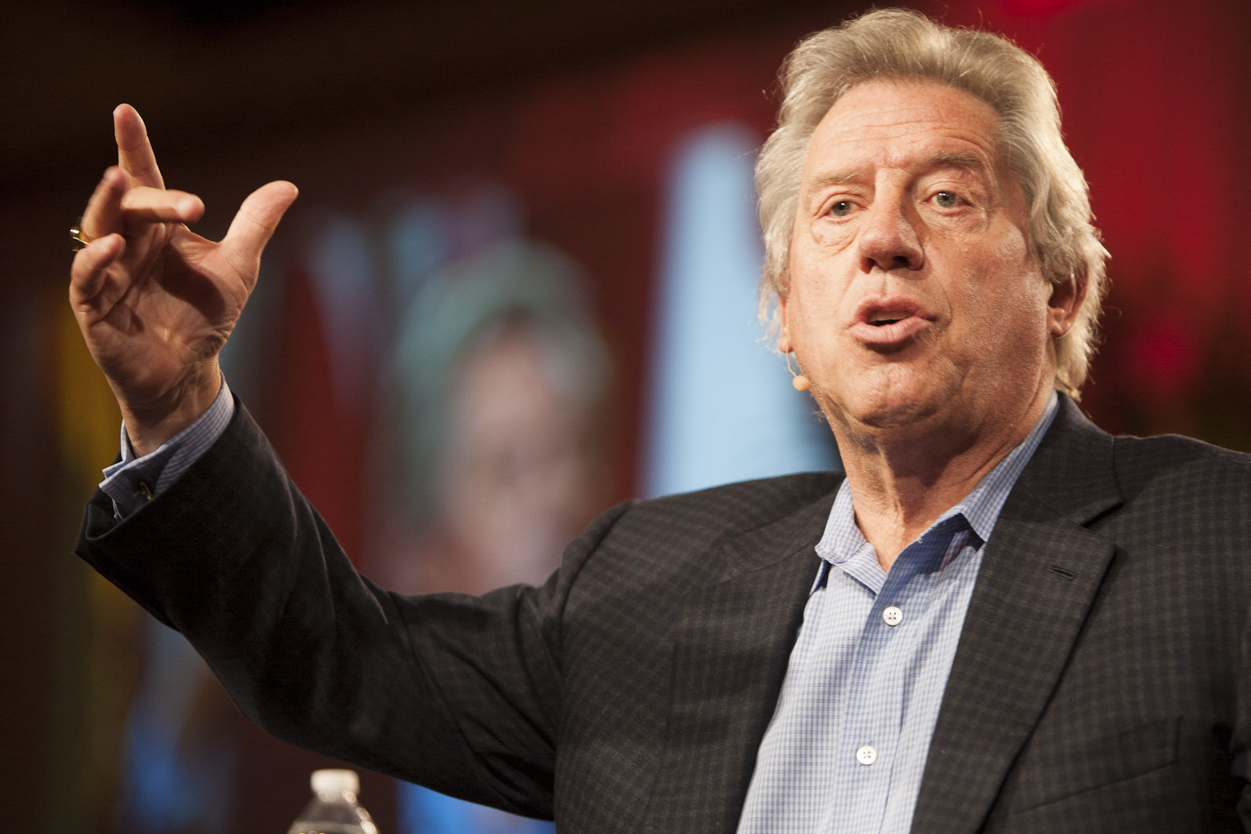 John Maxwell Everyone communicates few connect mastermind teaching