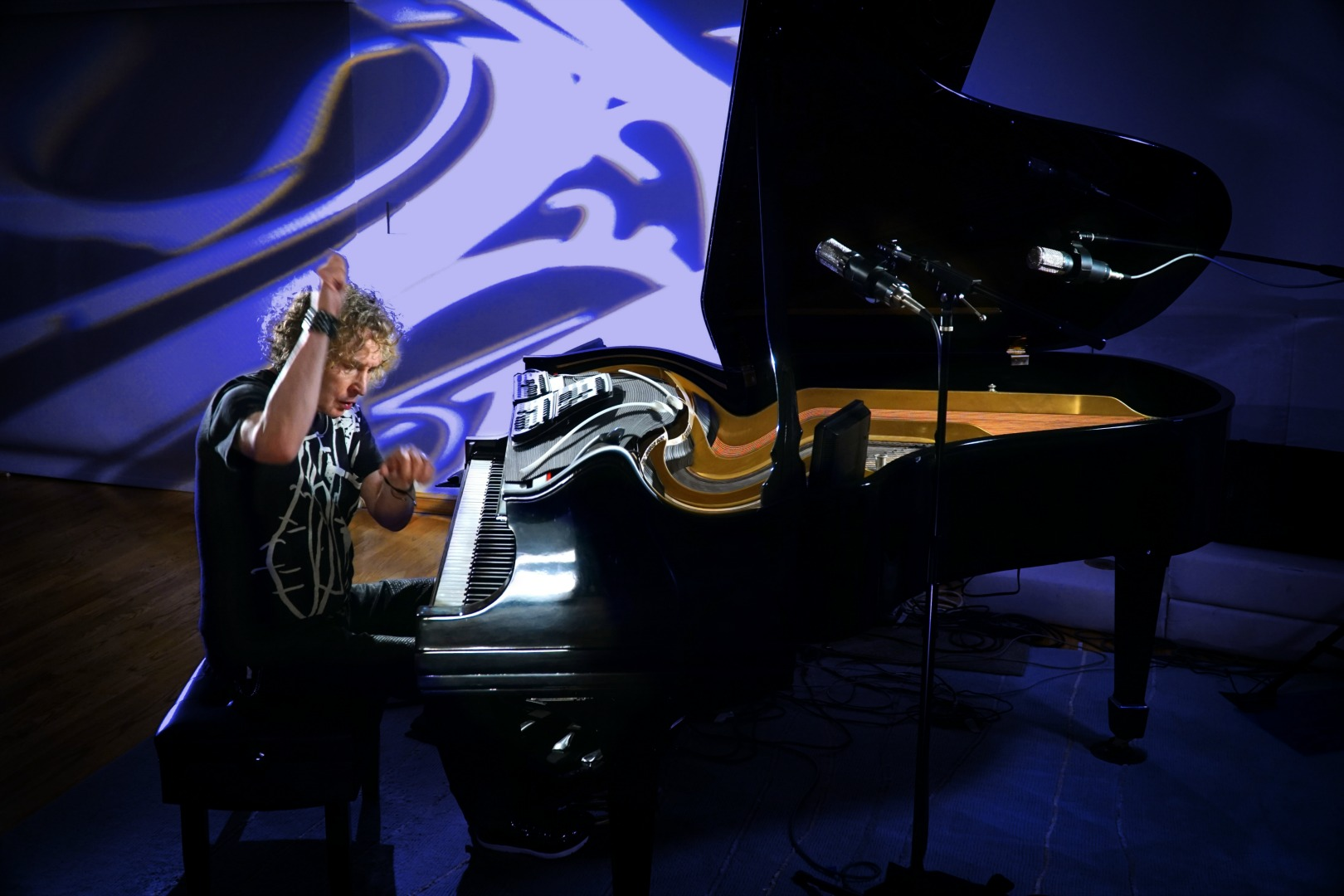 Peter Manning Robinson on his The Refractor Piano™ by Michael Rueter