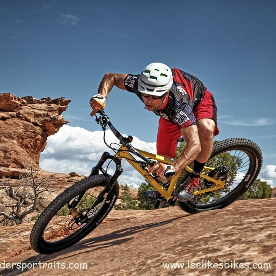 Coach Kevin rails a turn in Moab
