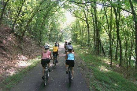 Cyclists along the Schuylkill River Trail