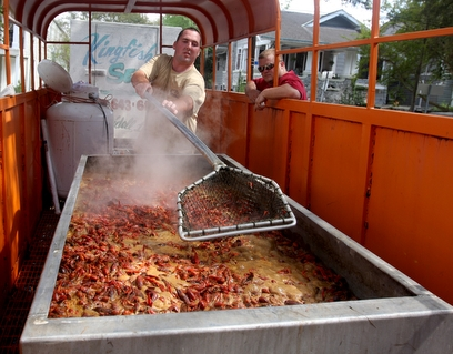 Crawfish cooking