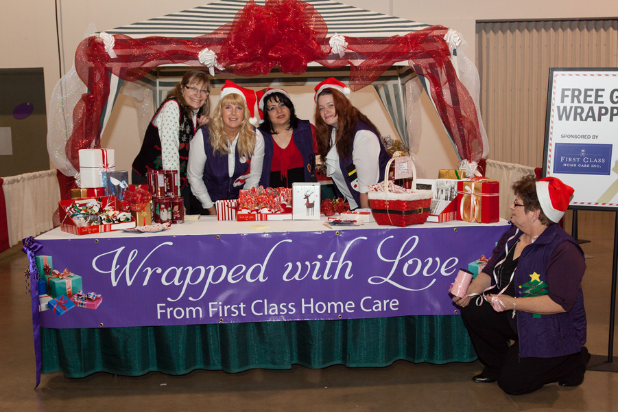 free-gift-wrapping-christmas-shopping-international-centre