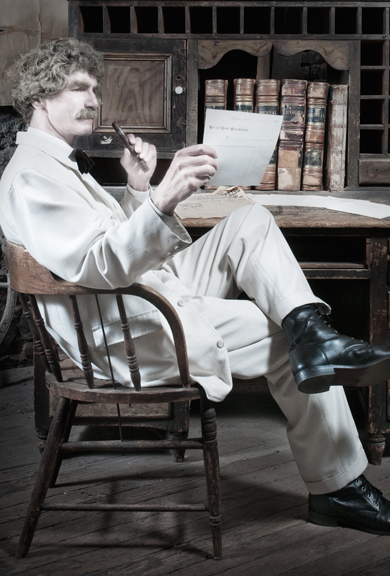 McAvoy Layne as Mark Twain