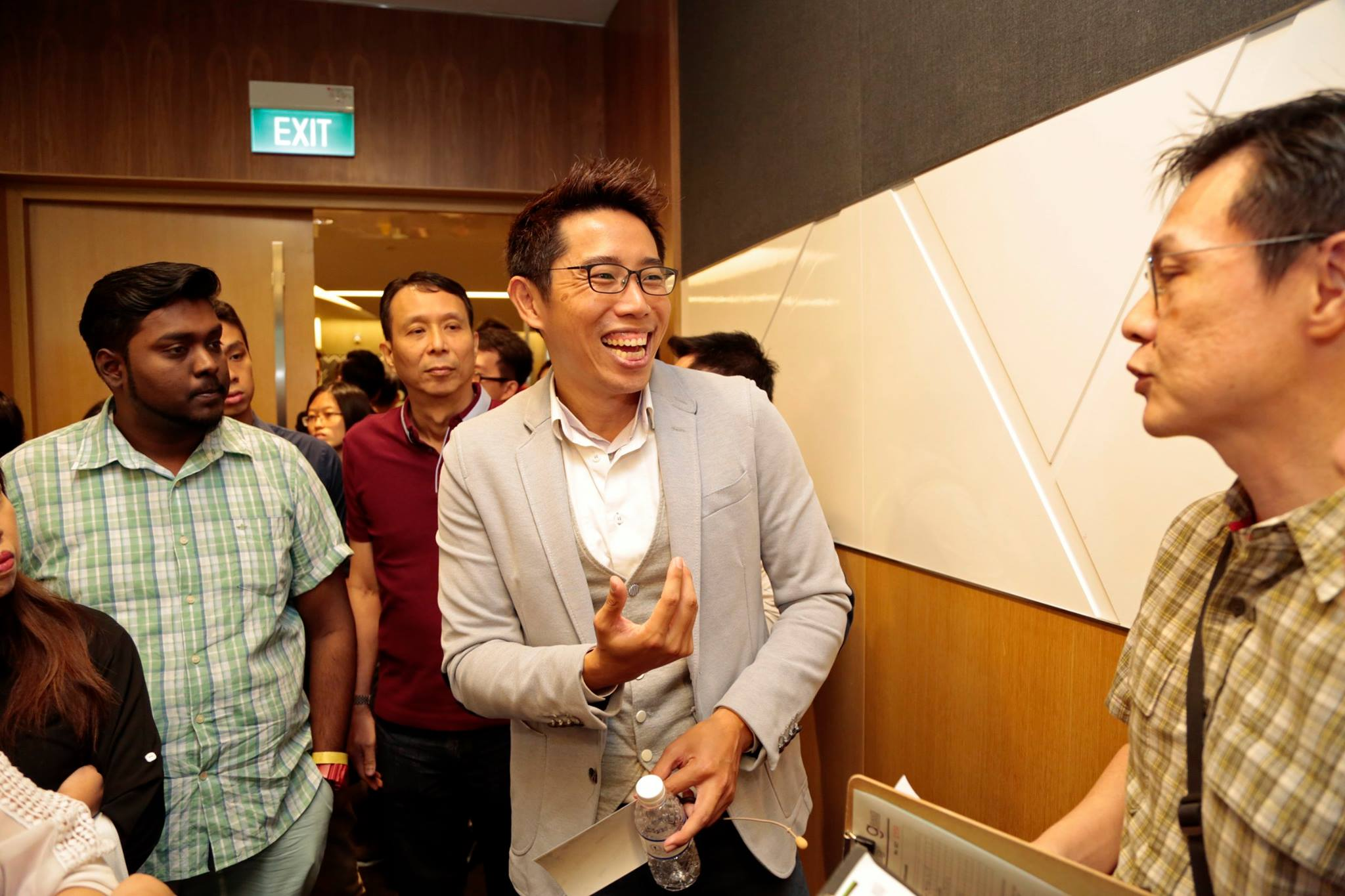 Terence Tan talking to Participants
