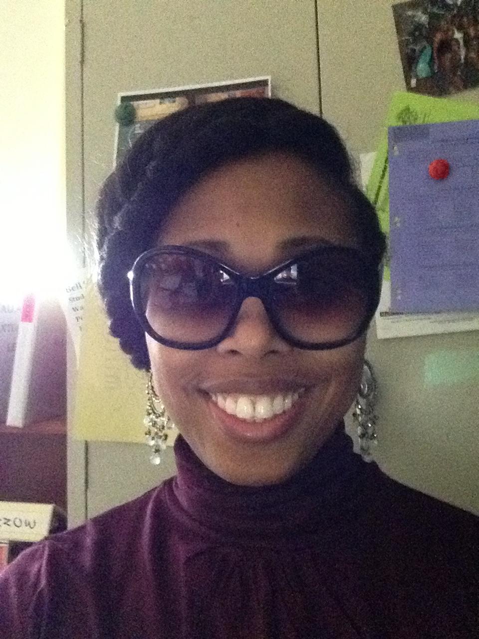 Me wearing my favorite Stella & Dot Earrings with an easy undo!