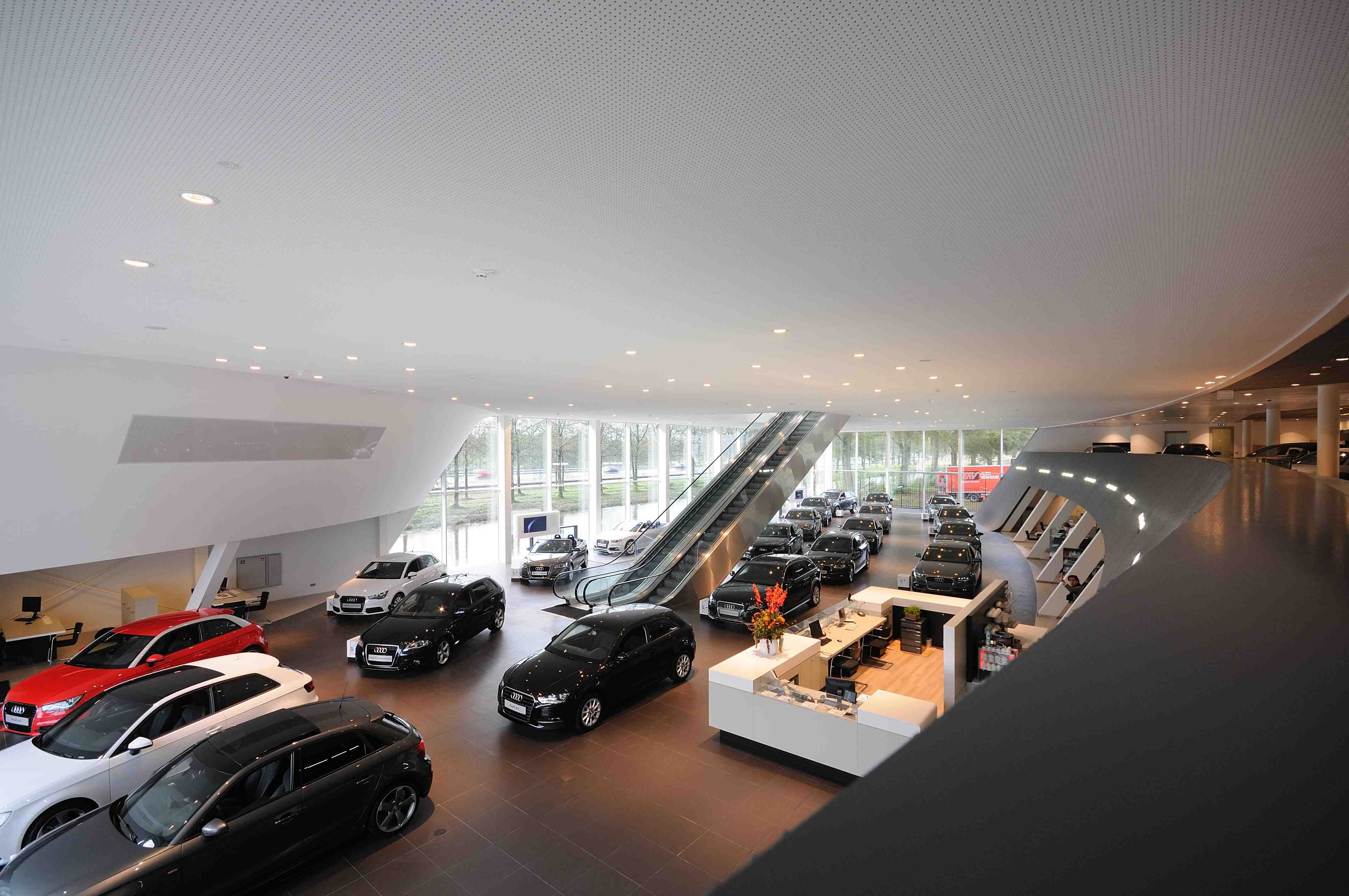 MeerBusiness Kerstborrel op 21 december 2012 in Audi Centrum Amsterdam