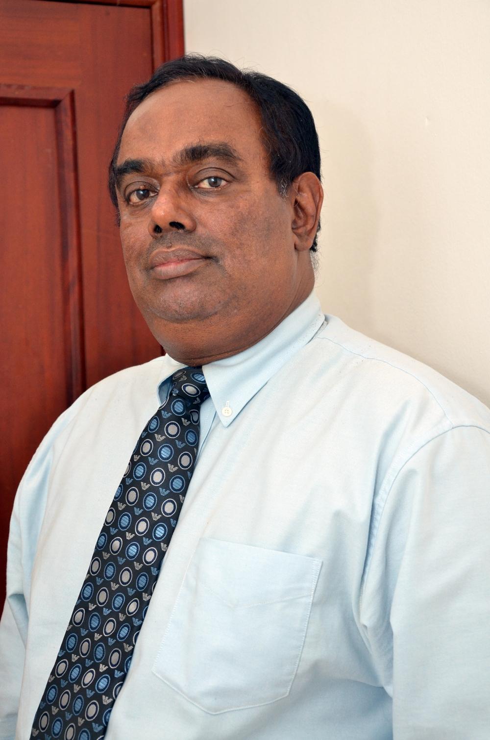 Dr-Nawaratne