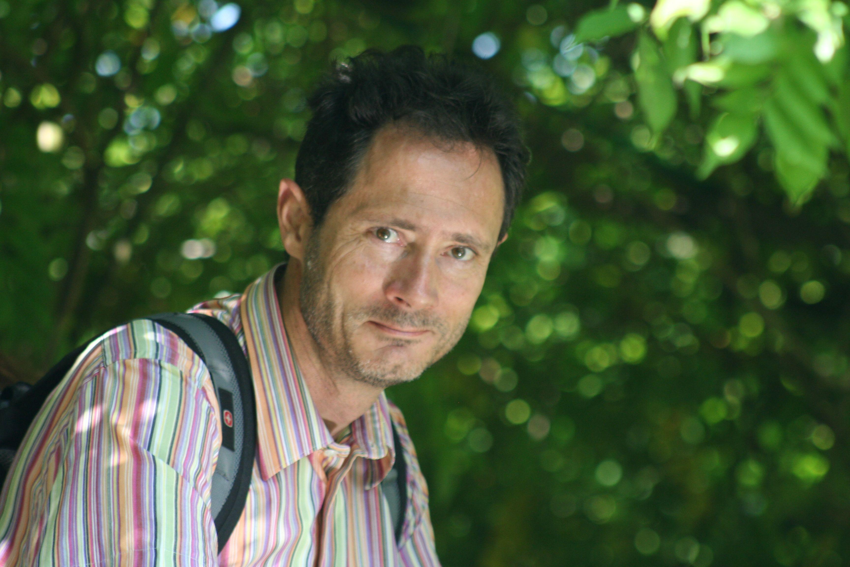 Biologiste De Formation Emmanuel Delannoy A Une Exprience Plus Quinze Ans En Tant Que Manager Dans Des Entreprises Prives