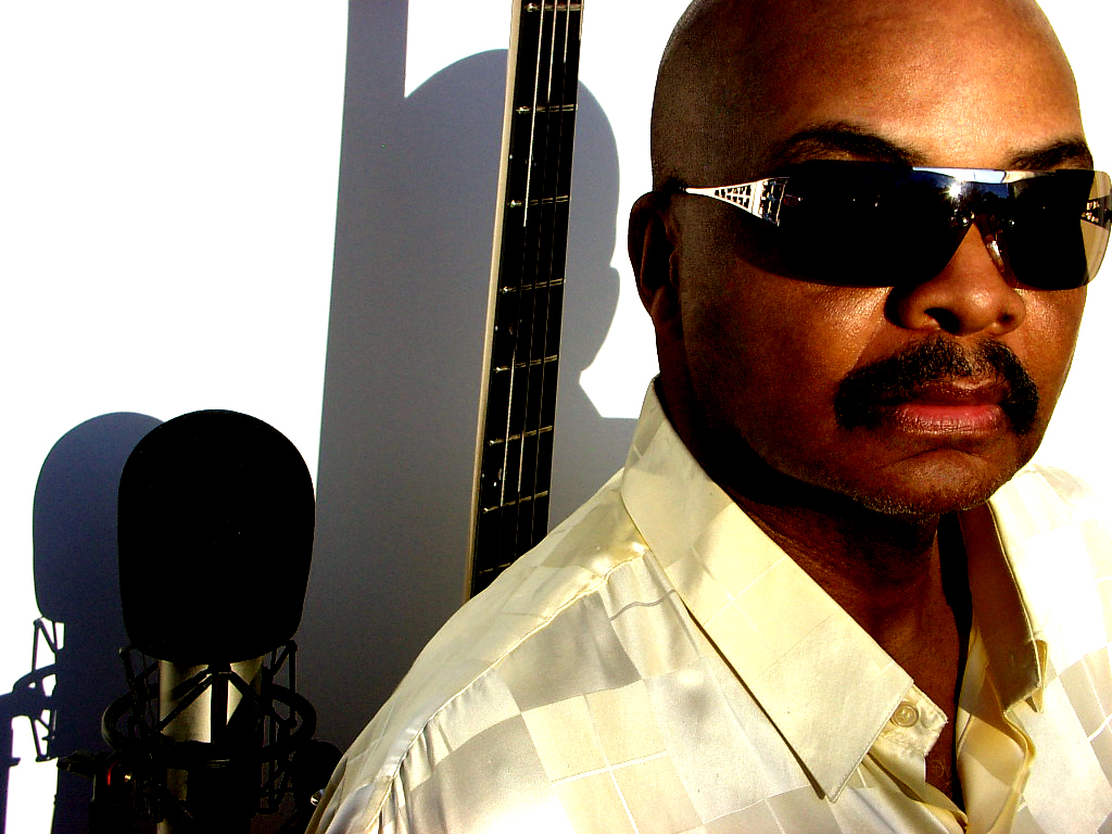 Michael Henderson Producer, Singer, Songwriter, Bass Player 4 Time GRAMMY NOMINEE