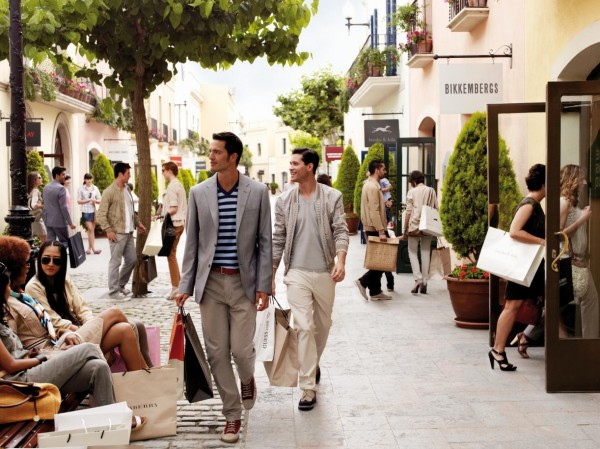 Chic Outlet Shopping Village