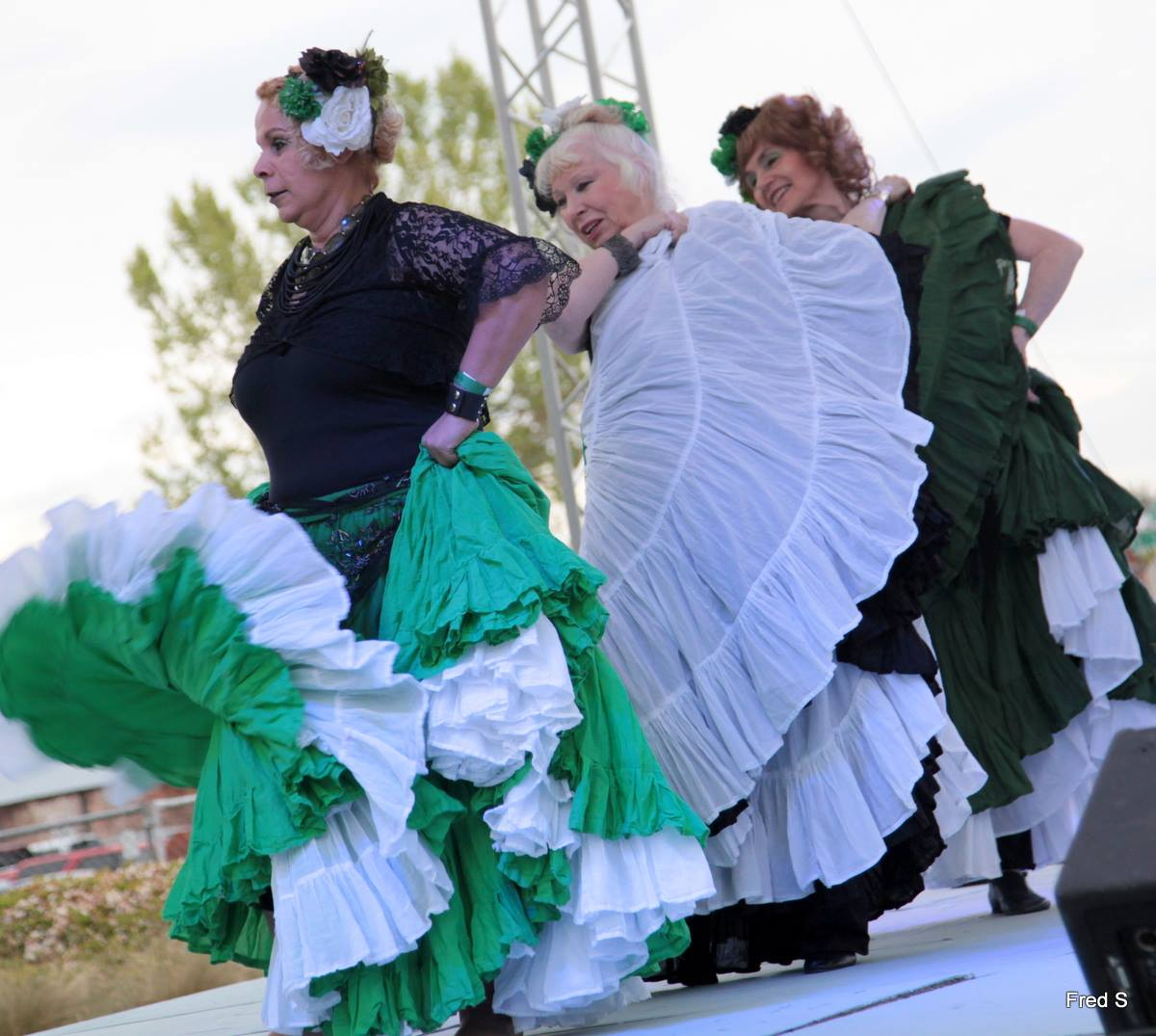 Dancing Through The Skirt performs at the 2016 ParTee On The Green