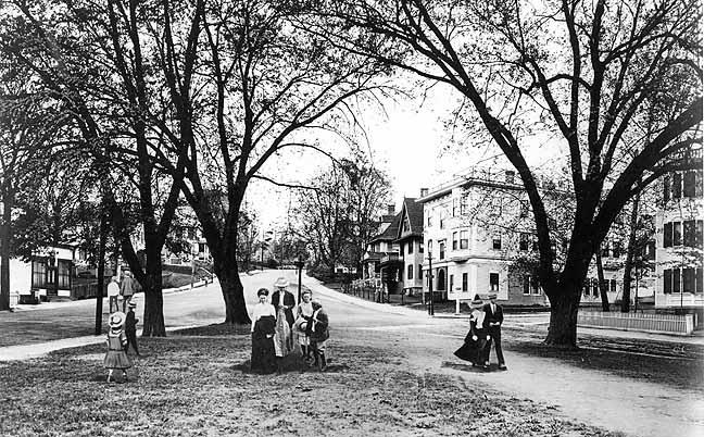 oak square historic pic