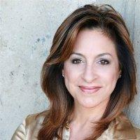 Yvette Fernandez Headshot