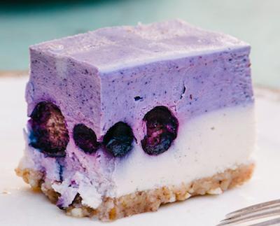 raw wild berry cheesecake