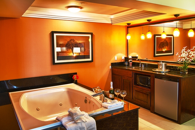Executive Jacuzzi Suite